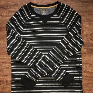 Men's striped long sleeve tee